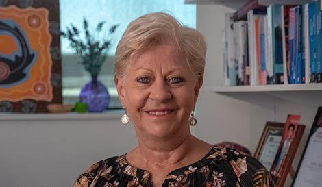 Dr Kerry Bodle