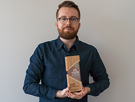Matthew Hanger with AEL award